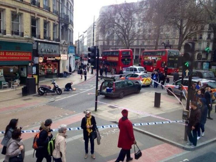 Robbery in Victoria, London
