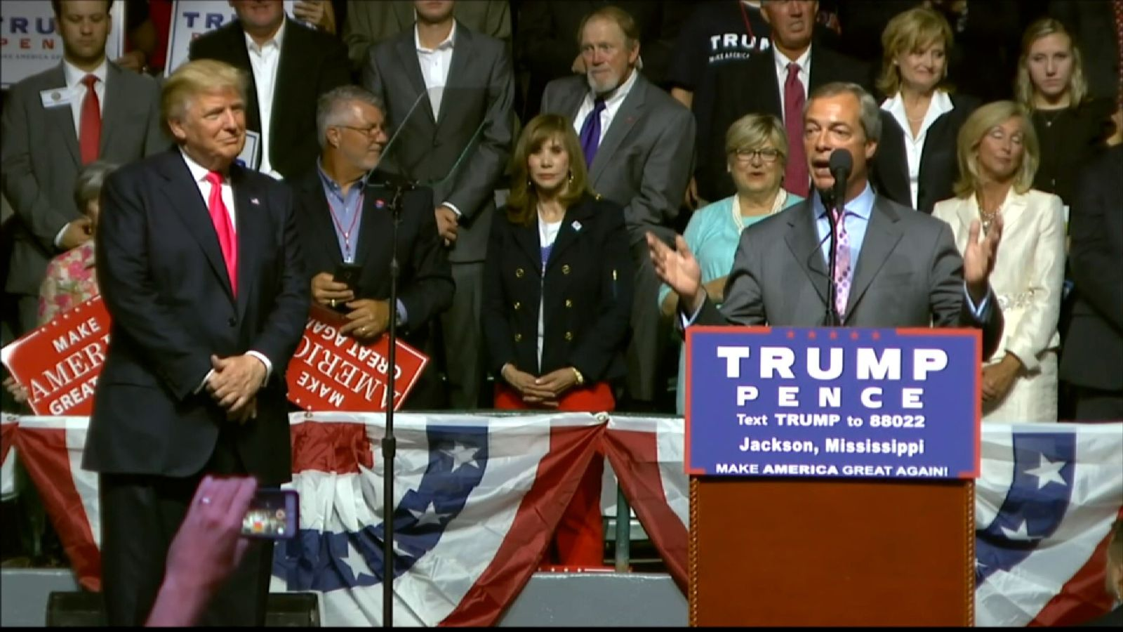 Nigel Farage addresses a Donald Trump rally in Mississippi