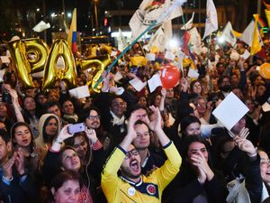 Colombia Agrees Historic Peace Deal With FARC Rebels