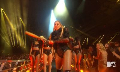 MTV VMA 2016 - Britney Spears: Back and mixed flemmarde stage performance