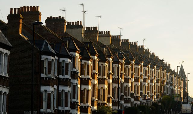 Number of people moving home falls for first time since 2011
