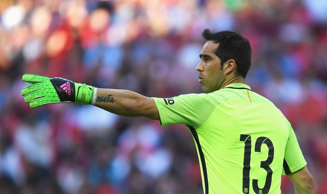 City Target Claudio Bravo Expected In Manchester