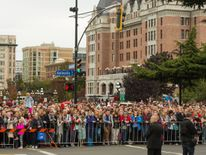 Crowds wait to see the Royals
