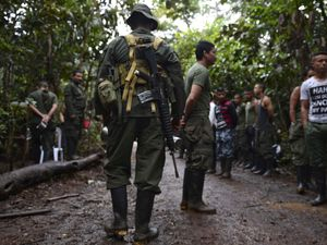 Colombia to sign peace deal with FARC guerrillas ending 52-year conflict
