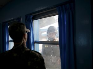 North Korean soldier crosses demilitarized zone to defect to South