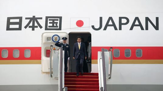Japanese Prime Minister Shinzo Abe arrives at Hangzhou Xiaoshan international airport before the G20 Summit