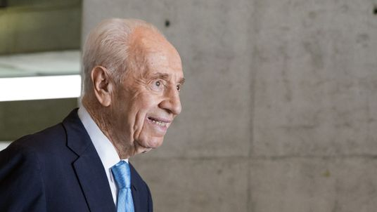 Nobel winner Shimon Peres