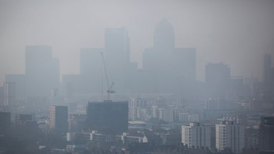 Campaigners want 'clean air zones' in pollution hot spots in the UK