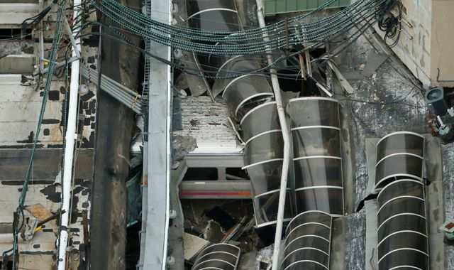 Engineer interviewed, no signal problems in deadly Hoboken train crash, NTSB says