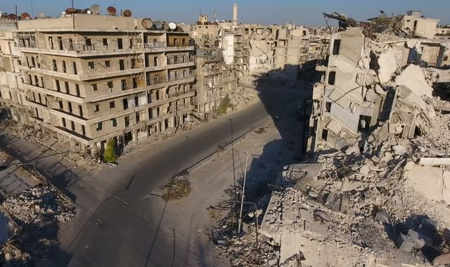 Syrian troops take rebel-held Farafra district in central Aleppo