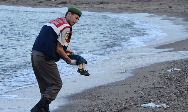 Aunt of dead Syrian boy Alan Kurdi: William and Kate must help refugees