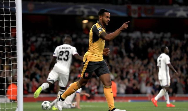 Walcott brace means easy win for Arsenal