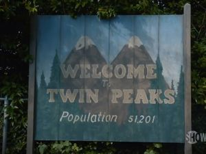Twin Peaks fans get a behind-the-scenes look