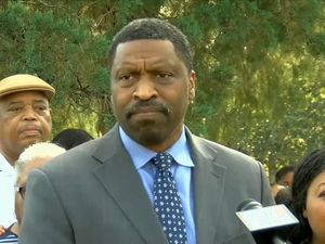'Noose put around neck of black student' in Mississippi