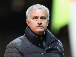 Mourinho lays down challenge to players