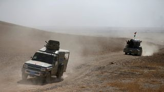 Peshmerga forces advance in the east of Mosul to attack Islamic State militants