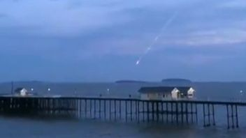 More meteor/UFO activity over Bristol Channel