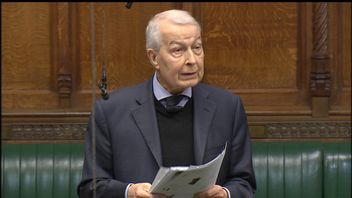 Frank Field addresses MPs in the Commons