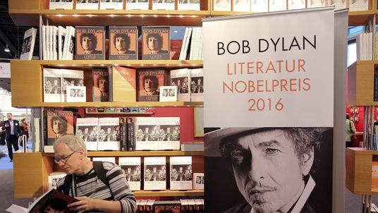 nobel prizes literature laureates pinter lecture s.