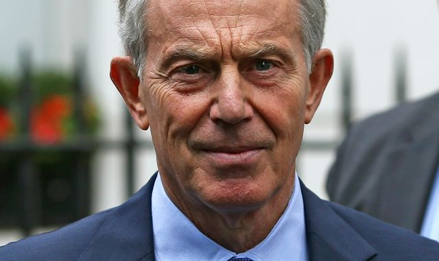 Tony Blair says staying in the EU must remain an option