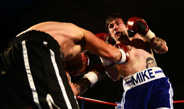 Boxer Mike Towell dies after Glasgow fight