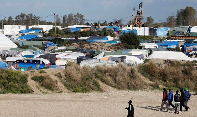 Britain Won't Perform 'Unethical' Dental Checks on Calais Child Migrants