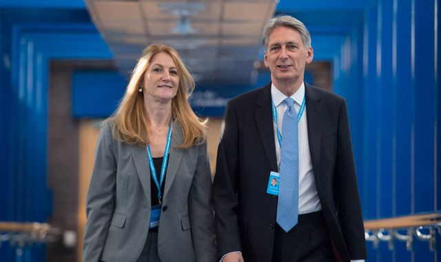 Philip Hammond moves to tackle Brexit economic shock