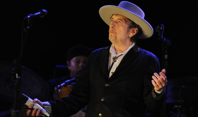 Bob Dylan's Nobel Prize reaction 'arrogant'