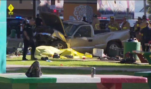 Crash in San Diego leaves four dead
