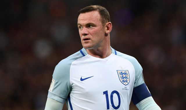 Wayne Rooney trains with England amid reports of being dropped