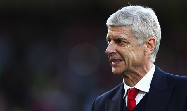 Arsenal board backs Arsene Wenger at AGM
