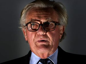 Lord Heseltine to head Tory rebellion against PM on Brexit