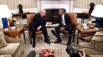 Barack Obama meets with President-elect Donald Trump to update him on transition planning