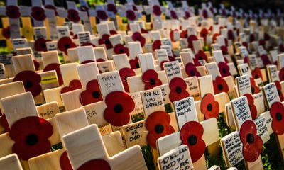 UK stops to mark Armistice Day