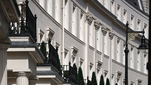 Rise in number of million pound house sales