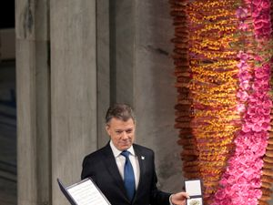 Nobel peace prize a 'gift from heaven', Colombian president says