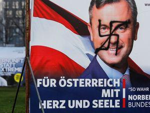 Far-right candidate Hofer concedes Austria election to Van der Bellen