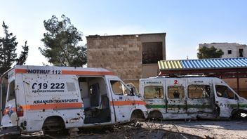 A picture shows the wreckage of ambulances outside a makeshift hospital which was used by rebel fighters in Aleppo's al-Sakhur neighbourhood, on December 6, 2016, a few days after the area was retaken by the Syrian government troops. / AFP / GEORGE OURFALIAN (Photo credit should read GEORGE OURFALIAN/AFP/Getty Images)