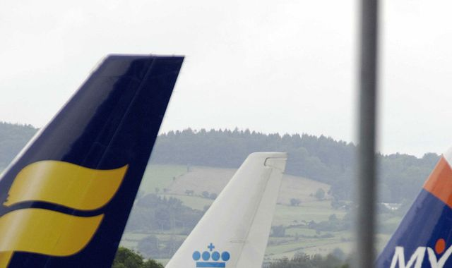 Pilot suffers heart attack before take-off at Glasgow airport