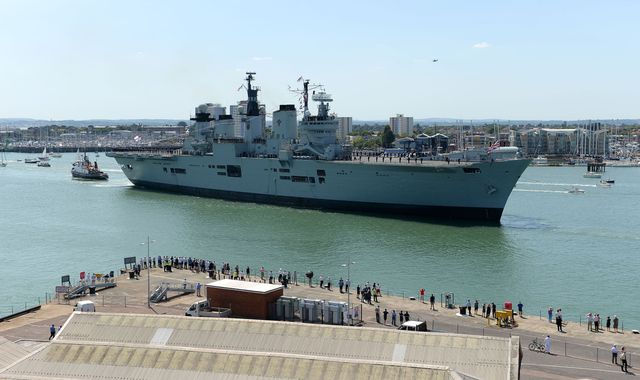 Aircraft carrier HMS Illustrious sets sail for Turkish scrapyard