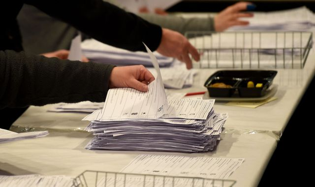 Conservatives hold Sleaford and North Hykeham in by-election