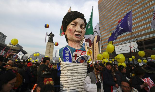 South Korea: Protests in Seoul as President Park faces impeachment