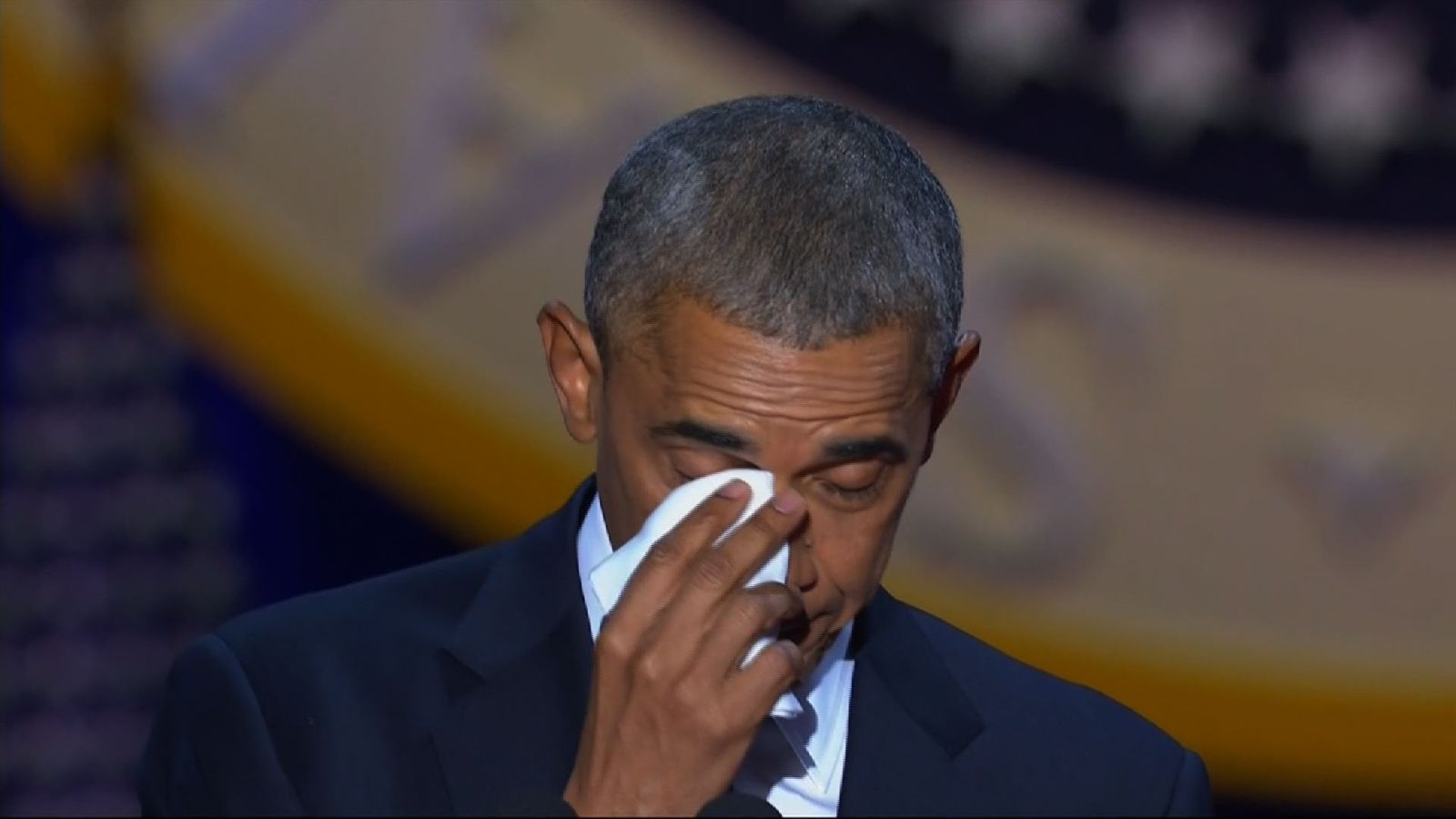 At his farewell address, President Obama pays a tearful tribute to his wife, Michelle.