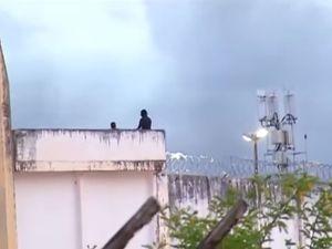 Inmates beheaded as 30 die in Brazil jail riot