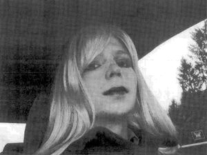 Obama commutes sentence of WikiLeaks whistleblower Chelsea Manning