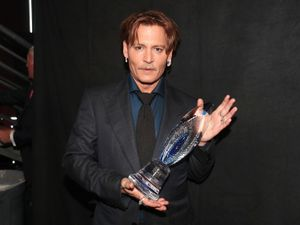 People's Choice Awards: Depp 'deeply affected by kindness'