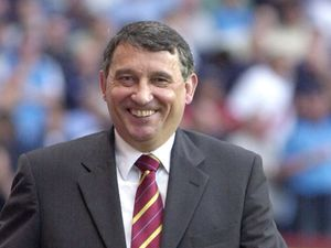 Former England manager Graham Taylor dies of suspected heart attack