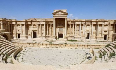 IS blows up part of Palmyra's Roman amphitheatre