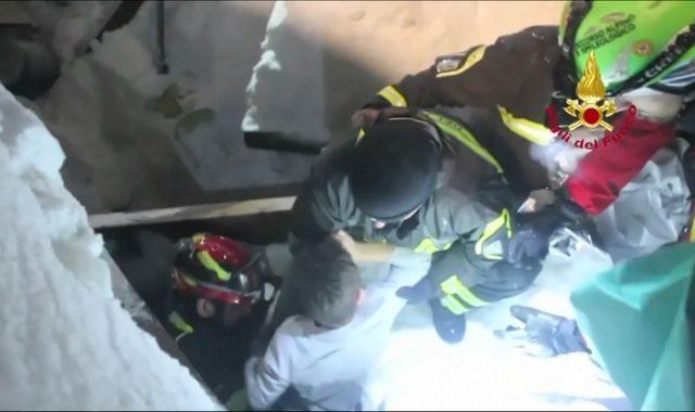 Italy avalanche: 'Miracle' as children pulled from hotel rubble