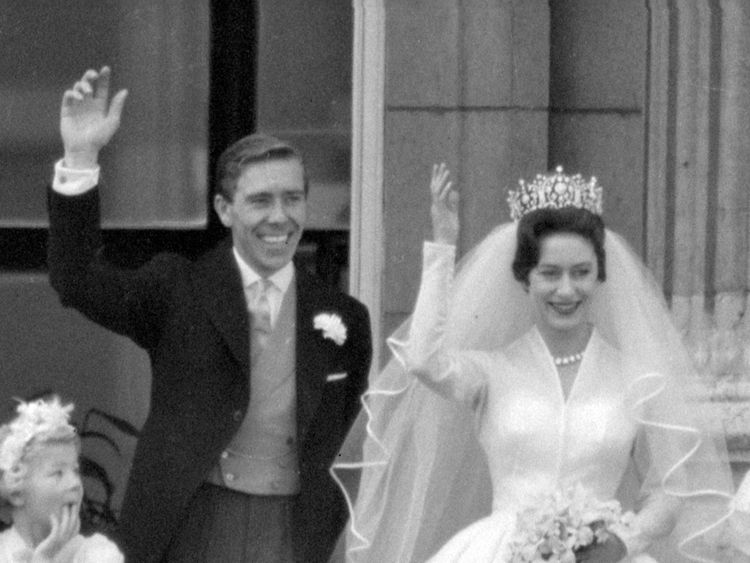 Lord snowdon former husband of princess margaret dies for What to do with old wedding dress after divorce